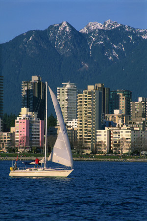Fair winds in English Bay, credit Destination BC/Tom Ryan